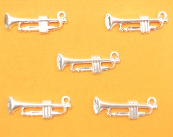 LOT 5 metal CHARMS: Trumpet 18mm