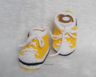 baby sneakers booties baby wool laces 0/3 months yellow white hand knitted