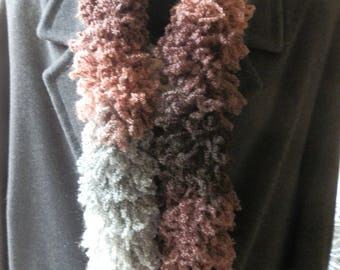"SCARF ""BOA"" SPRING, IN SHADES OF GRAY AND BROWN"