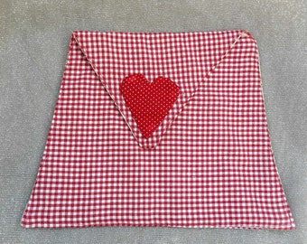 CLUTCH IN GINGHAM RED AND WHITE WITH FLAP