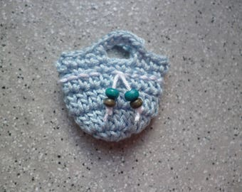Wooden 1 miniature bag crocheted in cotton decorated with beads