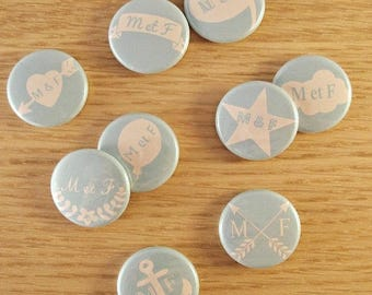 Set of 9 mini badges 25 mm / customizable initial wedding