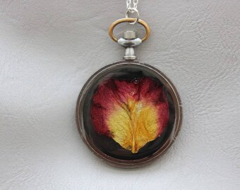 Necklace + genuine watch FOB (4.8 cm), resin and Rose Petal