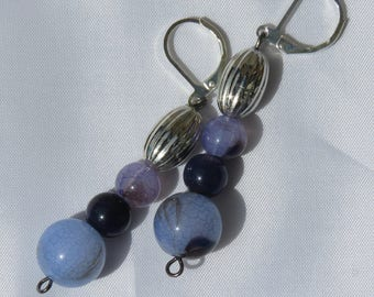 Lilac and glass beads earrings, with silver plated hangers.