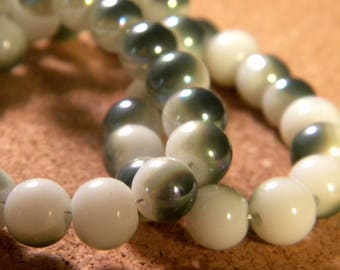 10 pearls 8 mm brass plated - imitation jade 2 white and green PE200-8