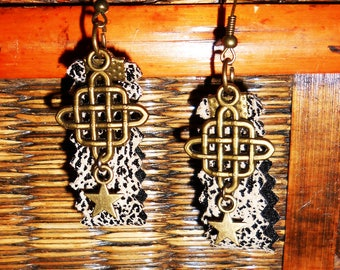 """""""Faux leather and Celtic knot"""" earrings"""