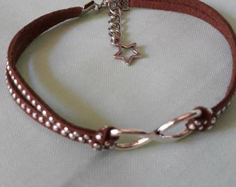 Very pretty... .This Brown ankle bracelet!