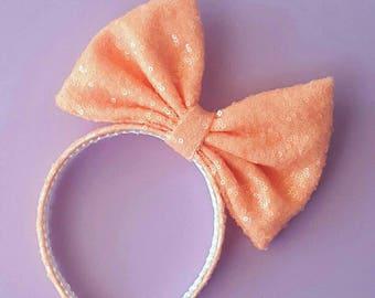 Peach oversized bow