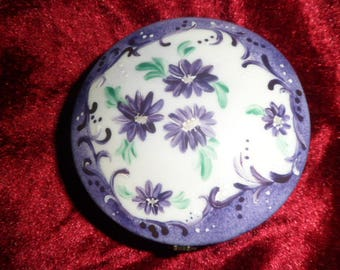 Candy box or purple flowers porcelain jewelry box