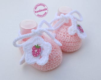 Baby booties pink white flowers