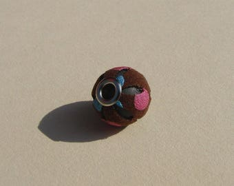 Pearl 12 mm, Brown pink and blue patterned leather.