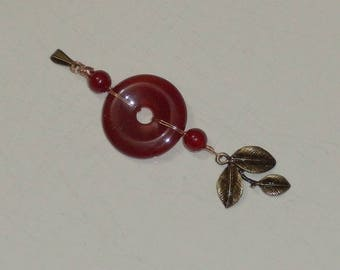 Meera Agate pendant red glass beads