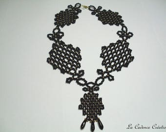 black and gold seed beads necklace