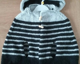 Cape baby and MOSS stitch