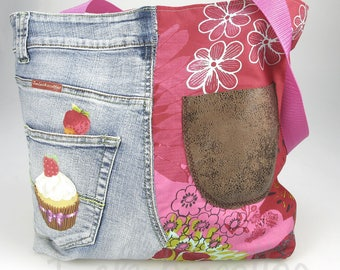 Bag denim recycled and nicely, very current, fully lined with Pocket, original, practical