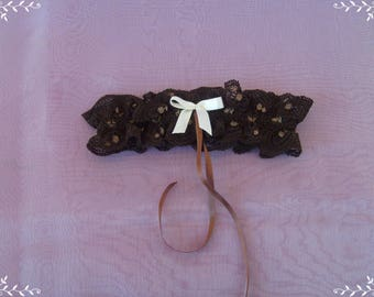 dark brown lace and ecru bow garter