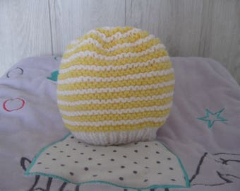 yellow/white baby bonnet