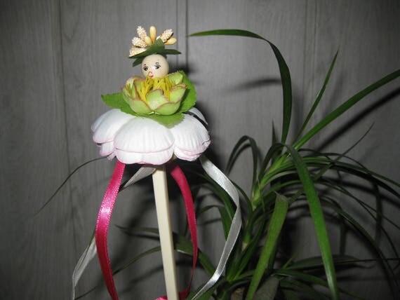 pique plante tuteur d coratif d 39 int rieur fleurs rubans. Black Bedroom Furniture Sets. Home Design Ideas
