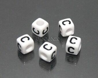 30 beads white cube letter C black acrylic 6mm M03116-C