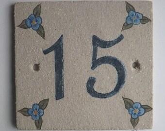 Plate front door stoneware number 15, original decor flowers on beige linen