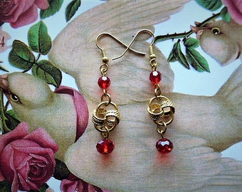 Vintage love passion dangling pierced vintage style earrings