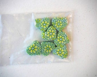 7 heart Fimo beads, 15x13mm, green and white with flowers