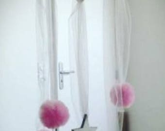 Mobile / hanging Tulle and wood