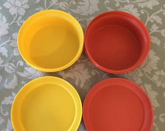 Harvest Vintage Tupperware Set of small servalier yellow orange Tupperware bowls with matching lids Excellent condition