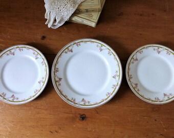 1 assiette, 2 assiettes à dessert par Théodore Haviland, porcelaine de Limoges / vaisselle antique / guiarlande de fleurs et dorure