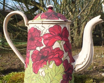 Vintage: painted retro coffee pot, great poppies...