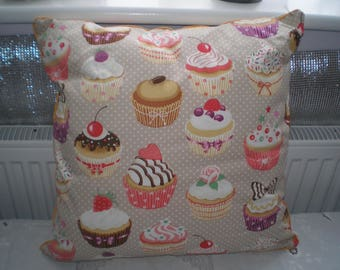 Cushion cupcake design in cotton