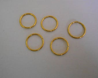 1 set of 5 rings in gold aluminum with a diameter of 20 mm