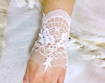 Romantic vintage lace cuff wedding bracelet