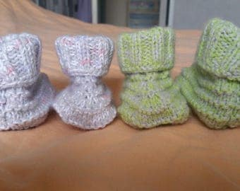 Set of 2 pairs of booties hand knitted 0/3 months