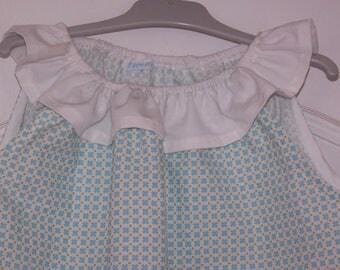 Neck ruffle sleeveless blouse
