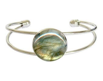 Silver plated cabochon bracelet - labradorite
