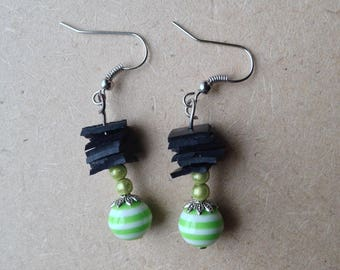 Earrings made of recycled bike tube and Pearl resin striped - green room