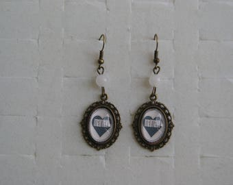"""MOM"" cabochon earrings"