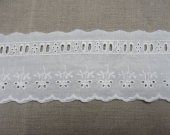 """Broderie anglaise""-5,5 cm - white"