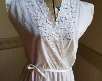 1970's Vintage Briar Patch Juniors White Dress. Size 7