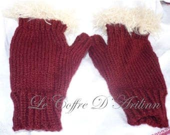 Mittens for women Burgundy and faux fur