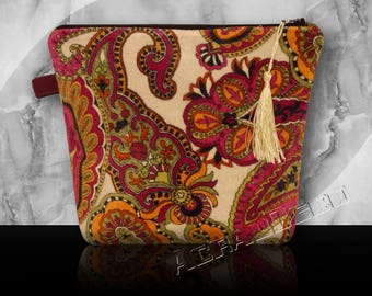 Toiletry bag Paisley velvet attached to the bag-plum/green moss/Fuchsia/orange/black on ivory background.