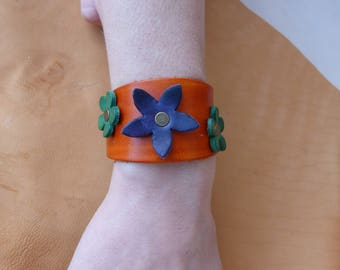 "Orange leather bracelet ""flowers"""