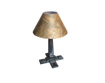 Foot weathered Harpagon customized shade table lamp