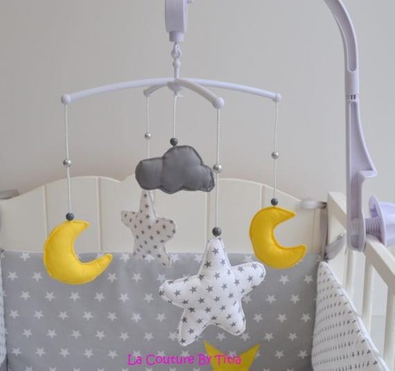 mobile musical b b fait main toiles lune et nuage gris et. Black Bedroom Furniture Sets. Home Design Ideas