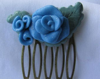 Glittery green leaves and blue flowers hair comb