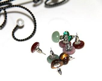 Set - C 5 pairs supports studs earrings semi precious stones
