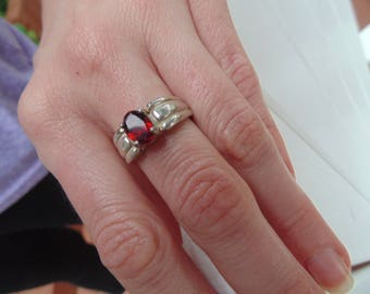 Vintage Garnet and Sterling Silver Ring Size 6
