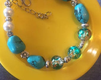Turquoise, glass and glass pearl bracelet