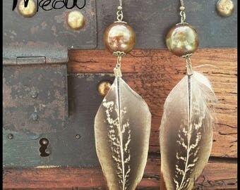 "A feather Earring ""Olive Céramique"""